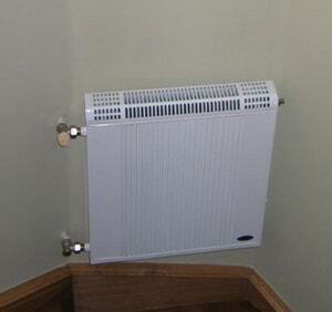 Медно-алюминиевый радиатор Regulus R 4/040, боковое подключение, 453 Вт