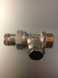 Запорный вентиль на обратку Oventrop Combi 4, прямой никелированный бронза/латунь 3/4 х 1/2, артикул 1090772, резьбовое соединение с самоуплотнение